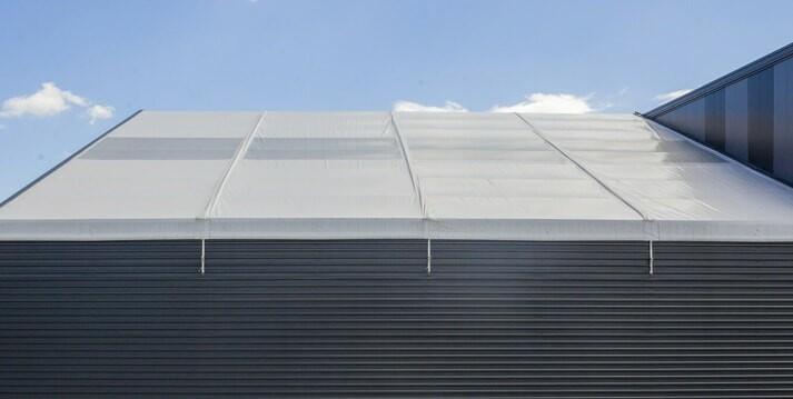 dach hali namiotowej a cena