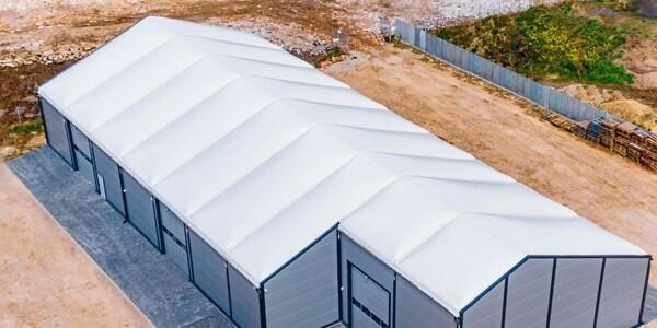 dach namiotu magazynowego