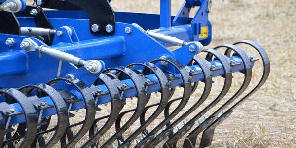 składowanie sprzętu rolniczego