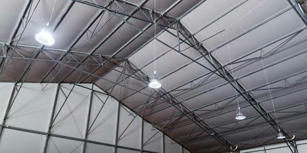 warianty dachu hali namiotowej